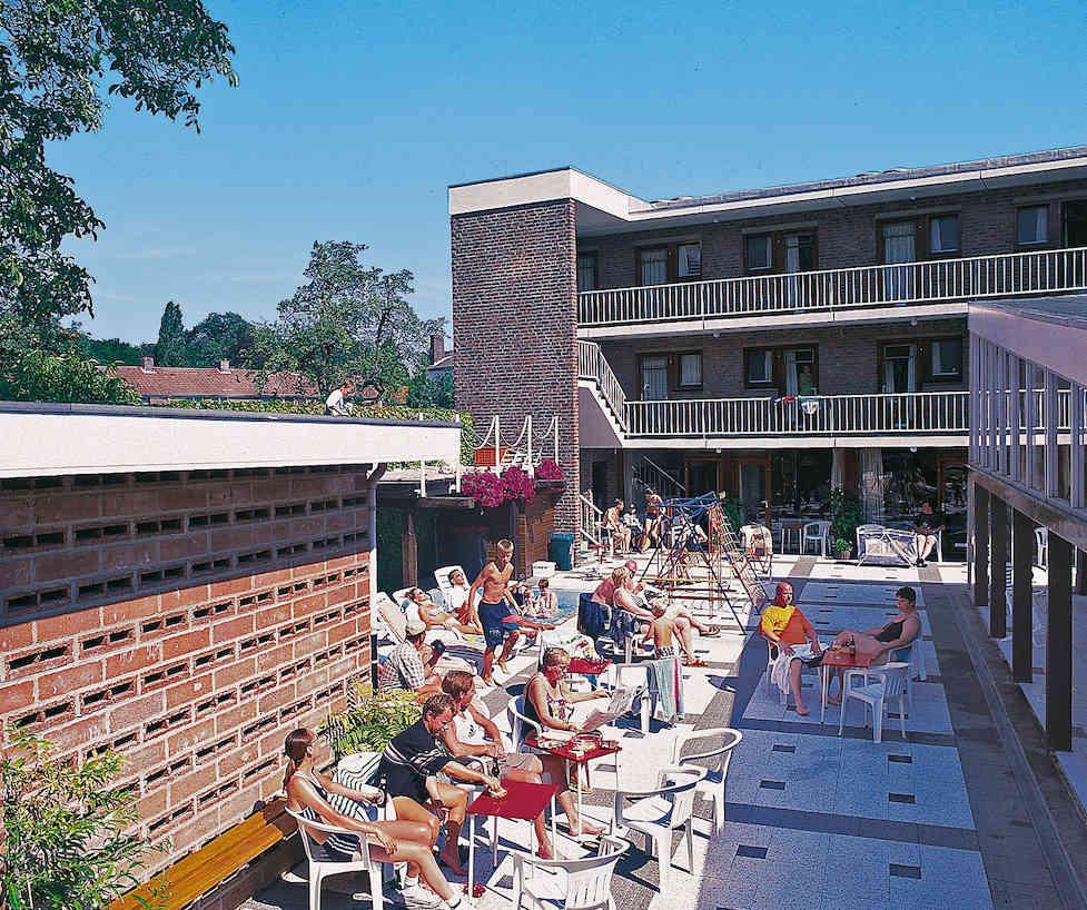 Marx motel binnenplaats met zwembad